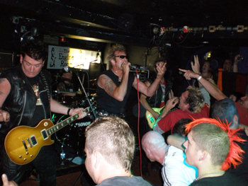 Peter And The Test Tube Babies Live Live Reviews