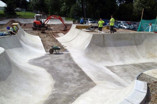stokepark_bowl_guildford
