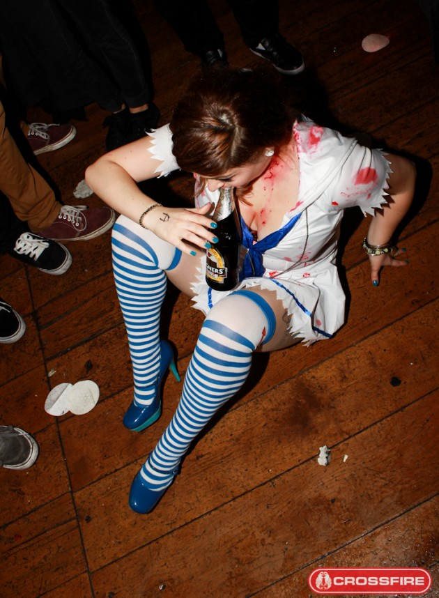 Yeah Girls! Zombie Special (22 Photos) | Drunk Astronaut