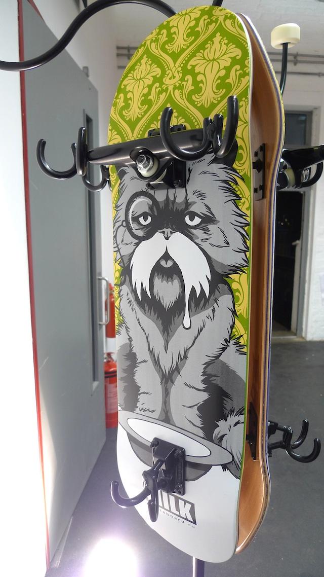 skate_interiors_furniture_skateboard