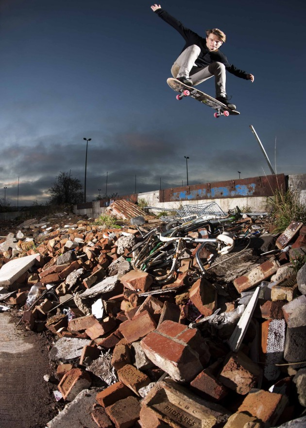albion_ review_dvd_ horsey_photo_by_rob_shaw-skate