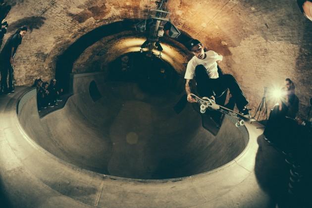 _IHC8410e-Vans-x-Crossfire-Halloween-Massacre-Bowl-Jam-London-2014-Photographer-Maksim-Kalanep