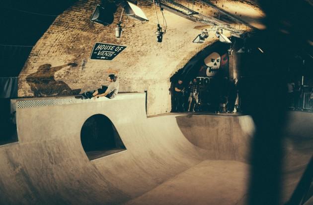 _IHC8563e-Vans-x-Crossfire-Halloween-Massacre-Bowl-Jam-London-2014-Photographer-Maksim-Kalanep