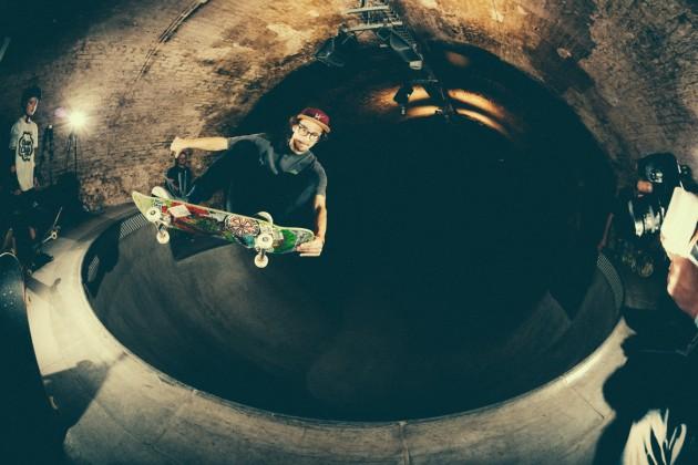 _IHC8630e-Vans-x-Crossfire-Halloween-Massacre-Bowl-Jam-London-2014-Photographer-Maksim-Kalanep