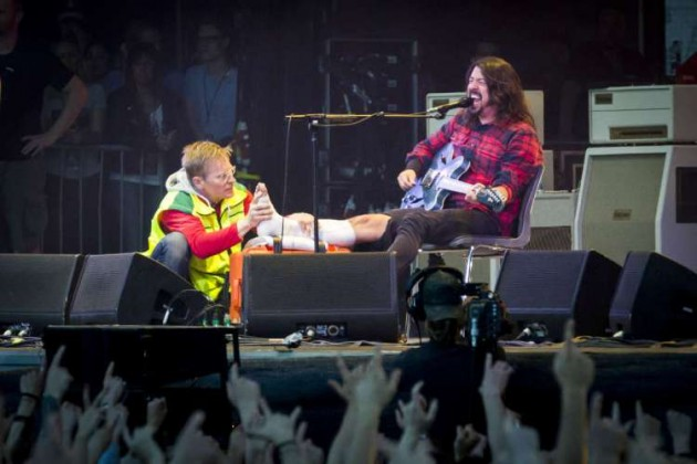 Dave-Grohl-leg