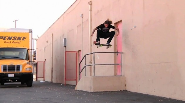 RILEY_HAWK_SKATE