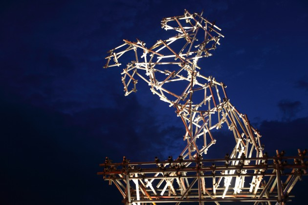 horse_banksy_dismaland_steve_cotton_photo