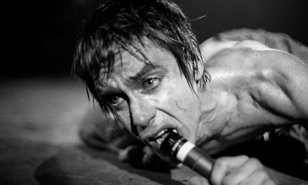 iggy_pop_stage_nyt_1977_Richard_E_Aaron